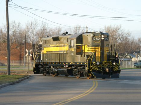 A&B 1752 westbound at Adrian. 2004 [Dale Berry]